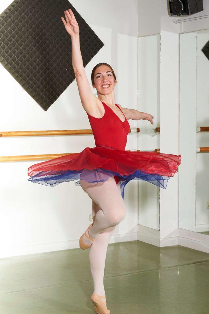 29245814b96 Ballet o Danza Clásica en Charock escuela de baile y danza en tres ...