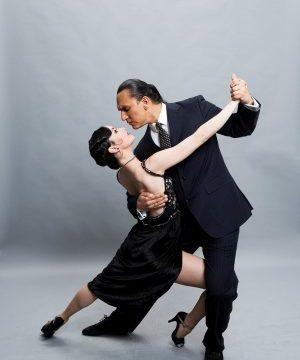 Gerardo bailando Tango escuela charock